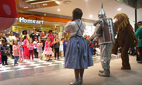 The_Wizard_of_Oz_Show_Shopping_Malls_Festivals2